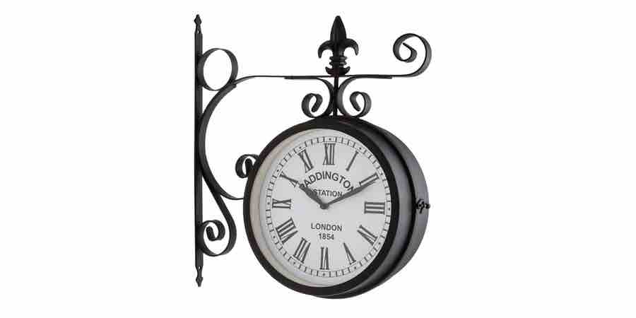 Reloj de estacion de tren. reloj de estación