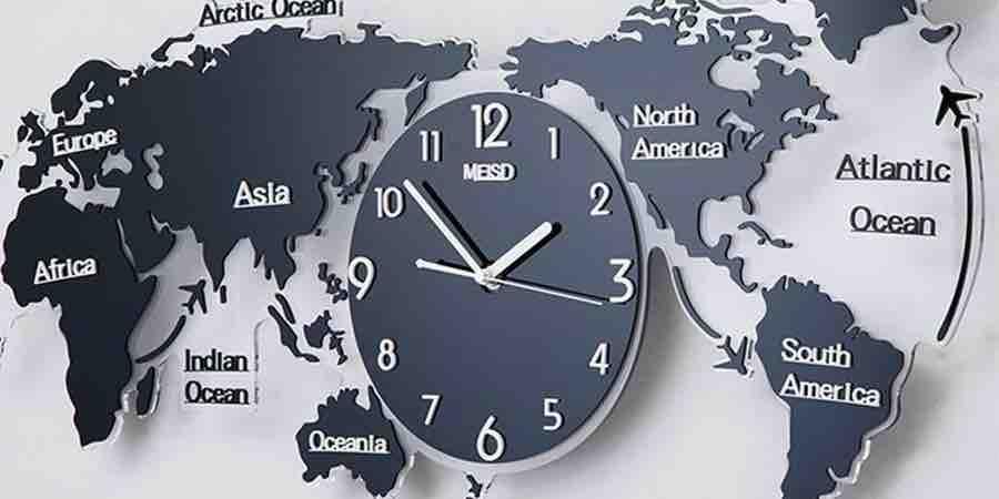 Reloj de pared mapamundi moderno